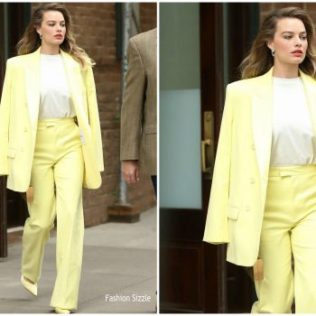 margot-robbie-in-attico-suit-comic-con