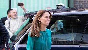 catherine,-duchess-of-cambridge-in-aross-girl-x-soler-@-the-aga-khan-center