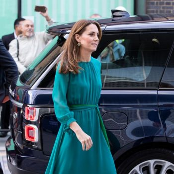 catherine,-duchess-of-cambridge-in-aross-girl-x-soler-@-the-aga-khan-center