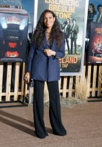 "Rosario Dawson   Rocks Suit @ ""Zombieland: Double Tap"" Premiere in Westwood"