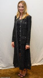 Margot Robbie  In  Chanel  @  The 'Bombshell' LA Press Conference