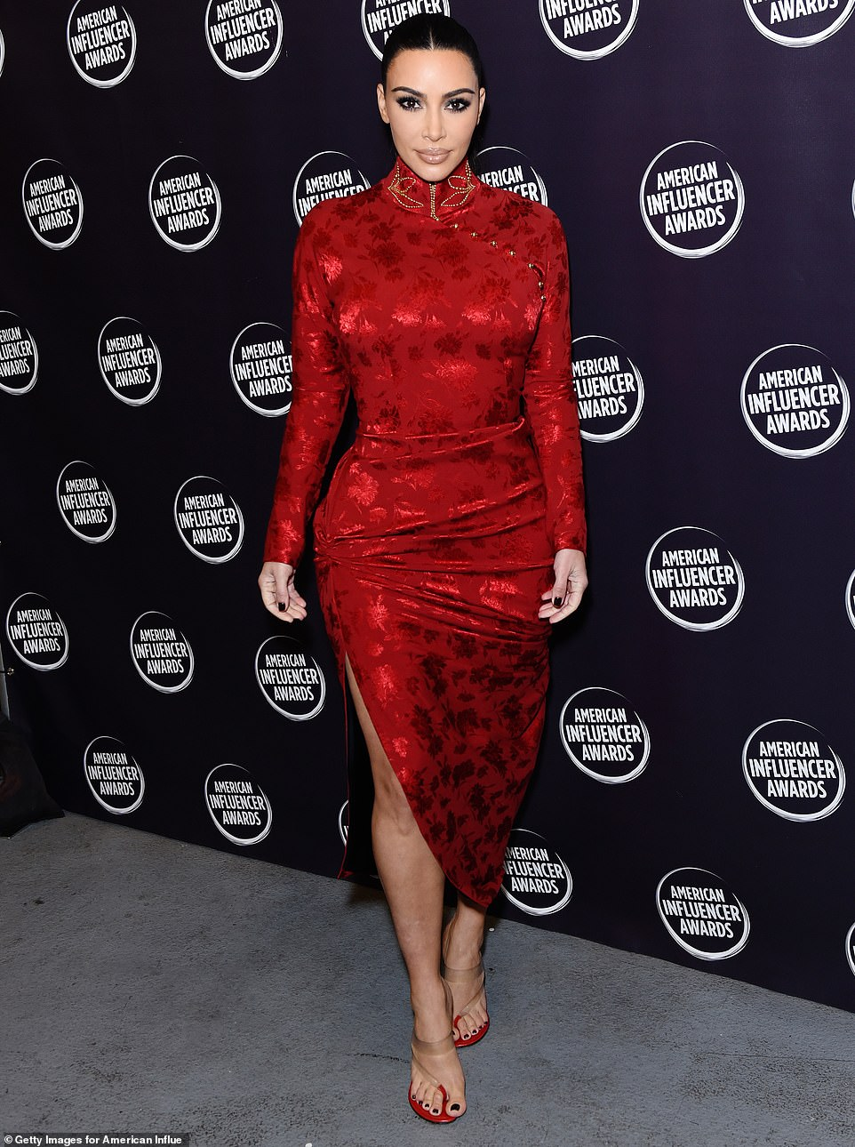 kim-kardashian-in-vintage-christian-dior-2019-annual-american-influencer-awards