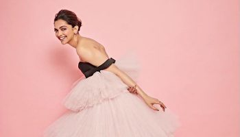 deepika-padukone-in-giambattista-valli-haute-couture-jio-mami-mumbai-film-festival