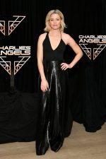"Elizabeth Banks  In Cushnie  @ ""Charlie's Angels""  New York Photocall"