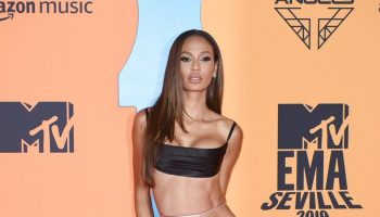 joan-smalls-in-brandon-maxwell-mtv-emas