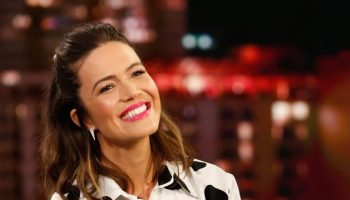 mandy-moore-in-carolina-herrera-polka-dots-jimmy-kimmel-live