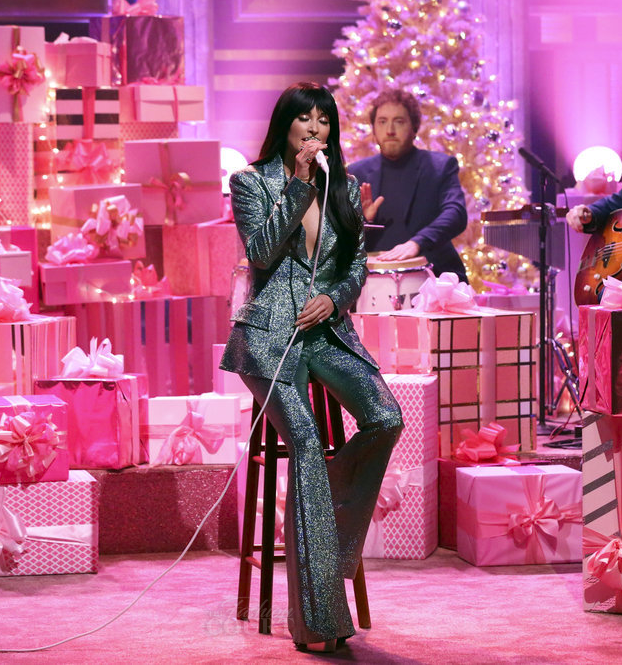 kacey-musgraves-in-christian-siriano-the-tonight-show-starring-jimmy-fallon