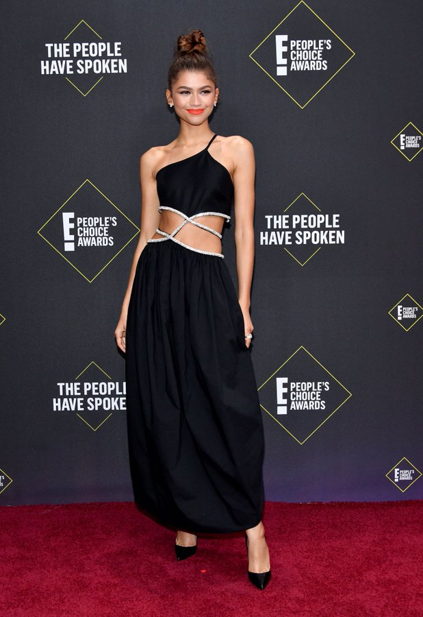 zendaya-coleman-in-christopher-esber-2019-peoples-choice-awards