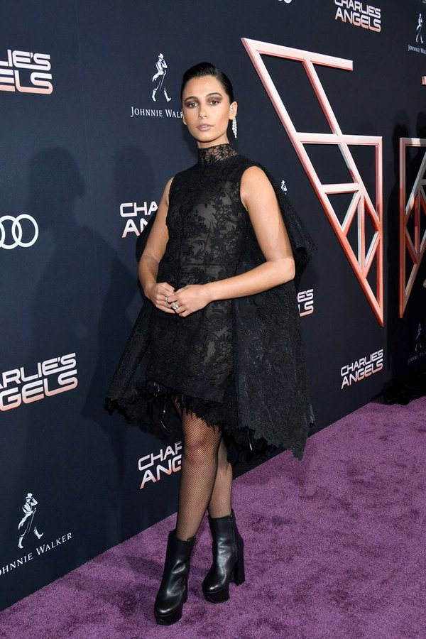 naomi-scott-in-givenchy-couture-charlies-angels-la-premiere