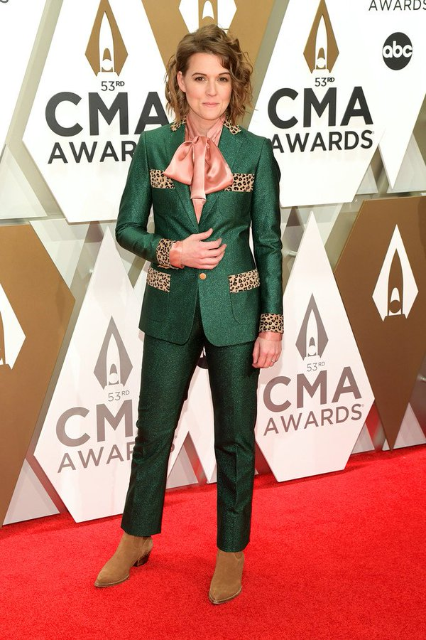 brandi-carlile-in-sanne-2019-cma-awards