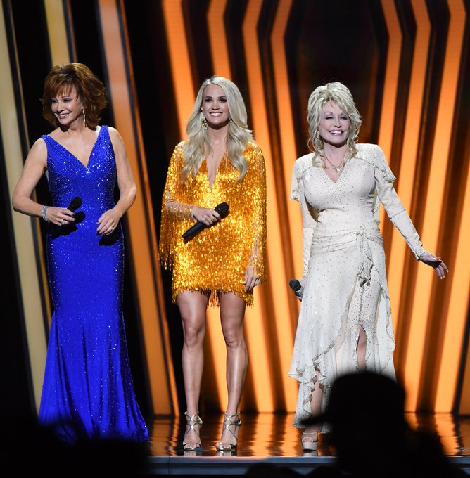 carrie-underwood-in-nicole-and-felicia-2019-cma-awards