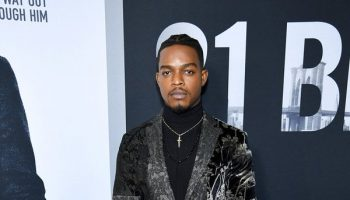 stephan-james-in-etro-21-bridges-new-york-screening