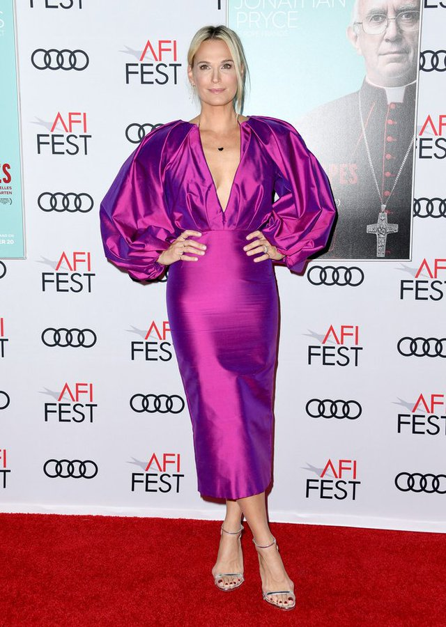 molly-sims-in-rasario-2019-afi-fest-the-two-popes-premiere