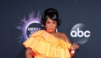 lizzo-in-valentino-2019-american-music-awards