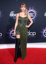 Taylor Swift  In  Julien Macdonald @ 2019 American Music Awards
