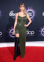 Taylor Swift  In  Julien Macdonald @ 2019 American Music Awards