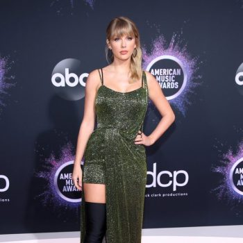 taylor-swift-in-julien-macdonald-2019-american-music-awards