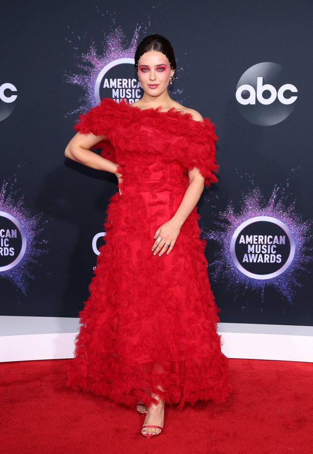 katherine-langford-in-rodarte-2019-american-music-awards