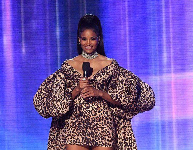 ciara-in-ashi-studio-hosting-2019-american-music-awards