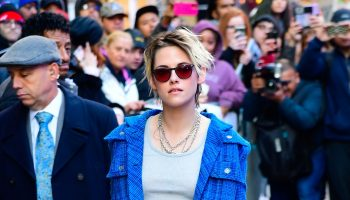 kristen-stewart-in-chanel-live-with-kelly-ryan