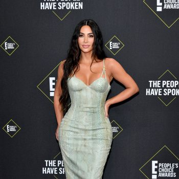 kim-kardashian-in-vintage-versace-2019-peoples-choice-awards