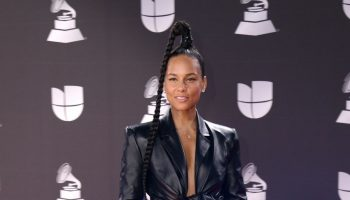 alicia-keys-in-off-white-jumpsuit-2019-latin-grammy-awards