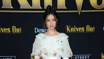 ana-de-armas-in-chanel-haute-couture-knives-out-la-premiere