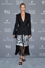 Carolyn Murphy In  Burberry  @   @ The WSJ. Magazine 2019 Innovator Awards