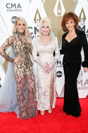 carrie-underwood-dolly-parton-reba-mcentire-2019-cma-awards
