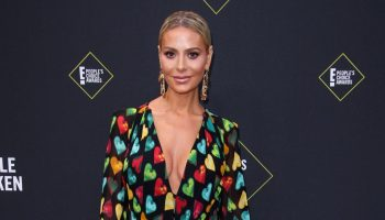 dorit-kemsley-in-versace-2019-peoples-choice-awards
