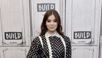 hailee-steinfeld-in-valentino-build-studio-in-new-york