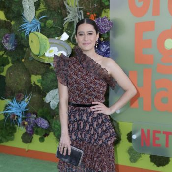 ilana-glazer-in-altuzarra-netflixs-green-eggs-and-ham-la-premiere