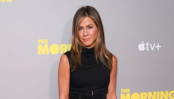 jennifer-aniston-in-black-dress-the-morning-show-screening-in-london