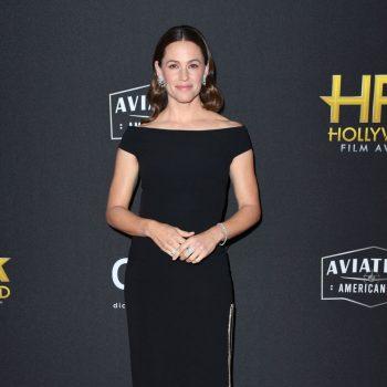 jennifer-garner-in-stella-mccartney-2019-hollywood-film-awards