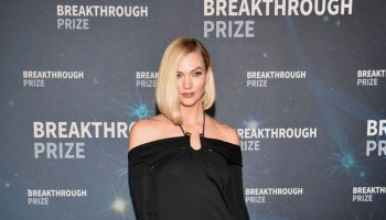 karlie-kloss-in-monse-2020-breakthrough-prize-ceremony