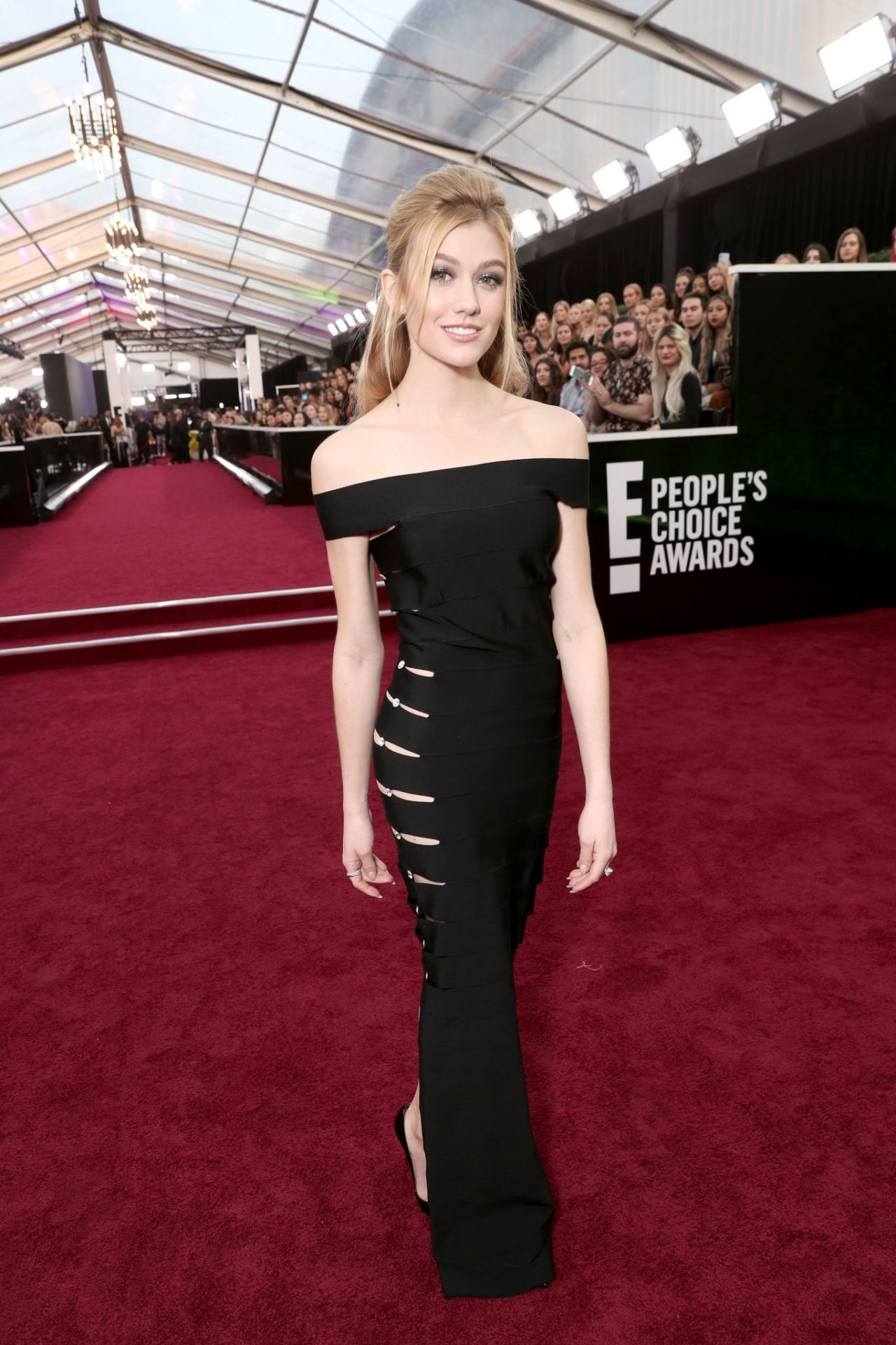 katherine-mcnamara-in-azzaro-2019-peoples-choice-awards