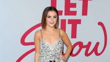 kiernan-shipka-in-miu-miu-let-it-snow-la-premiere