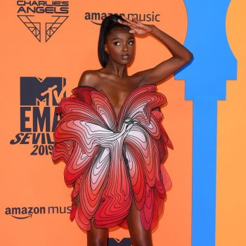 leomie-anderson-in-iris-van-herpen-the-2019-mtv-emas-redcarpet