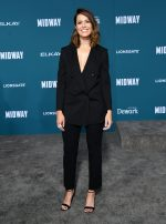 """Mandy Moore  In Giorgio Armani @ """"Midway"""" LA  Premiere"""