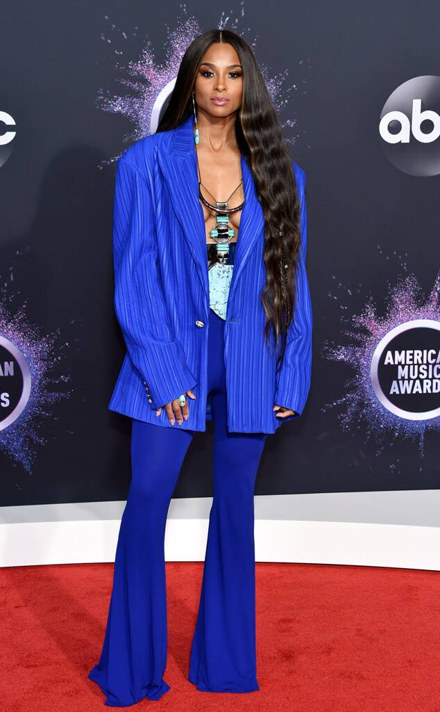 ciara-in-balmain-2019-american-music-awards