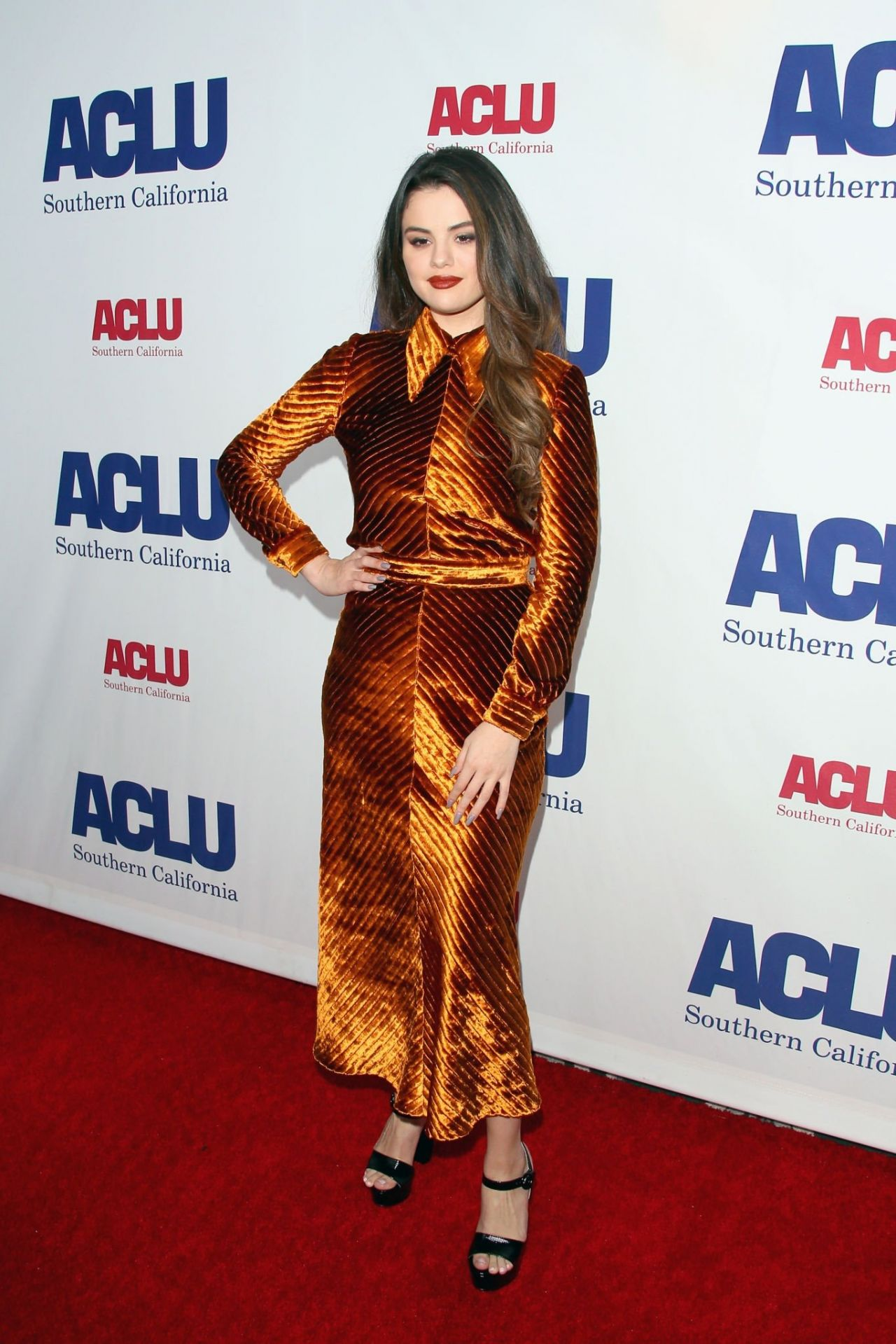 selena-gomez-in-prada-2019-ucla-socals-bill-of-rights-dinner-inla