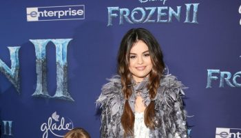 selena-gomez-in-marc-jacobs-frozen-2-premiere-in-hollywood