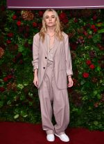Suki Waterhouse Rocks Suit @  2019 Evening Standard Theatre Awards in London