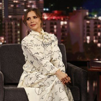 victoria-beckham-rocks-printed-dress-jimmy-kimmel-live