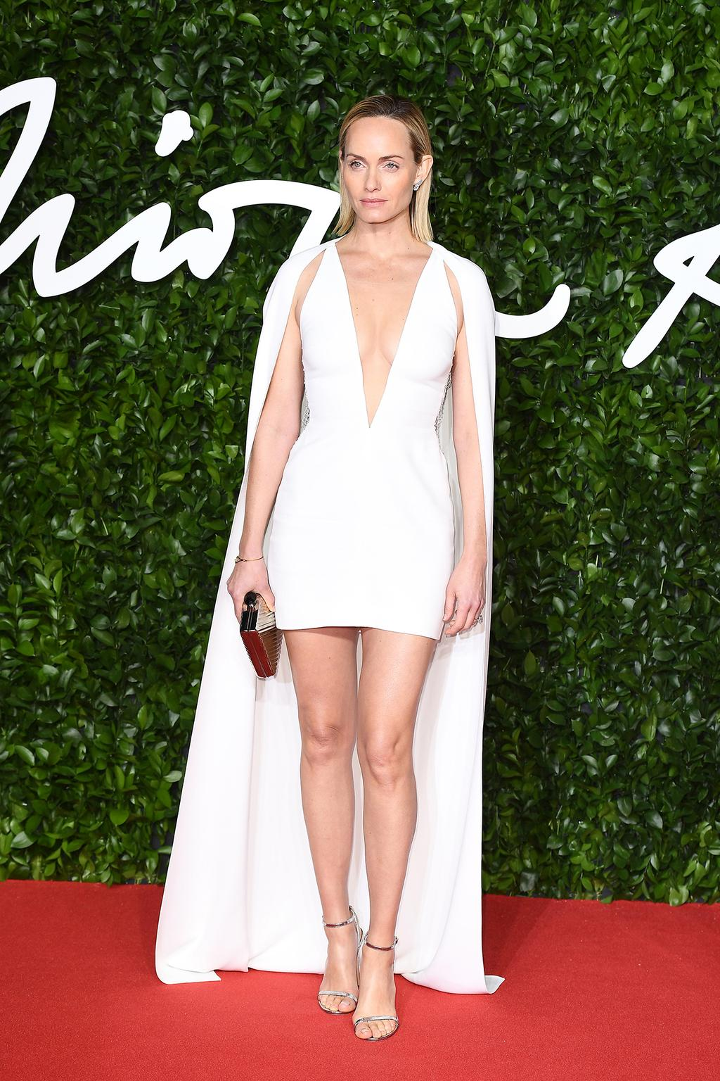 amber-valletta-in-stella-mccartney-2019-british-the-fashion-awards