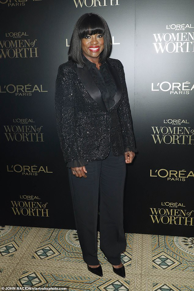 viola-davis-in-alberta-ferretti-suit-loreal-paris-women-of-worth-awards-2019