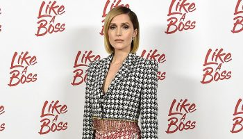 rose-byrne-in-area-crop-jacket-like-a-boss-photo-call