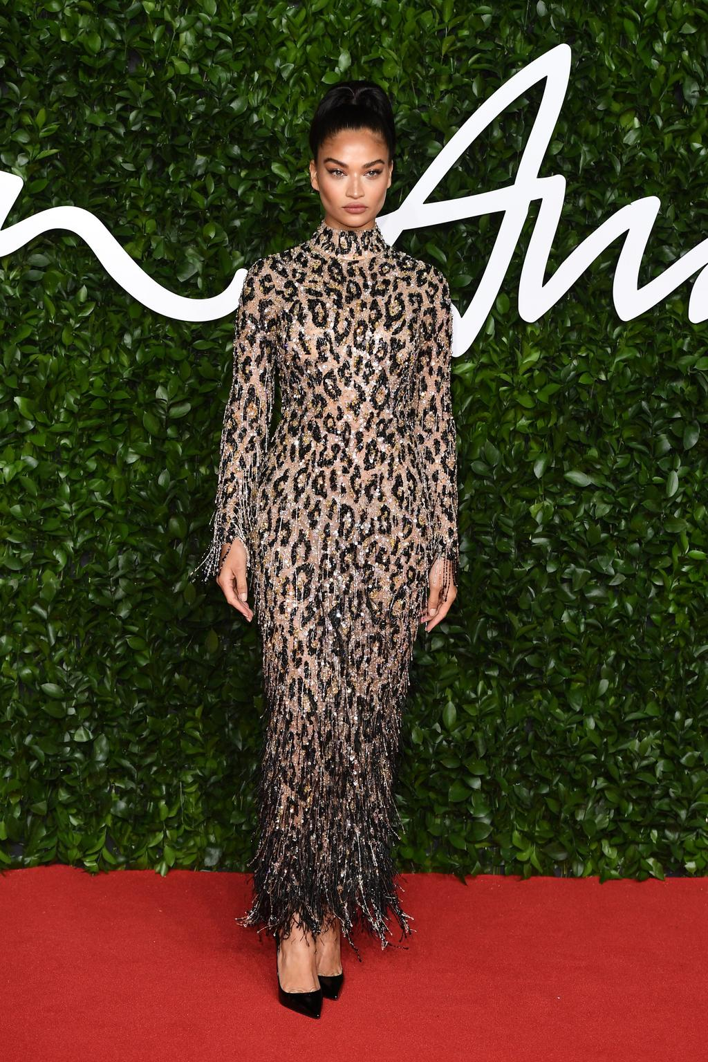 shanina-shaik-in-ralph-russo-2019-british-fashion-council-awards