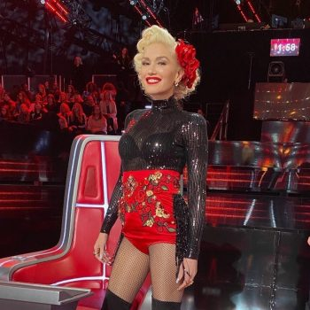 gwen-stefani-in-dolce-gabbana-shorts-the-voice-results-show