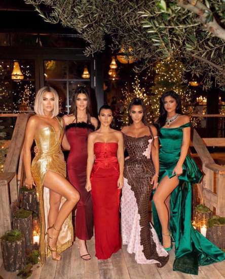 kardashians-jenners-christmas-party-2019